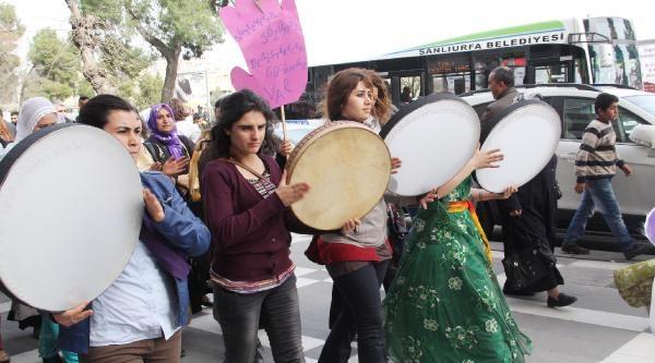 Bdp'li Kadınlardan Zılgıtlı Yürüyüş