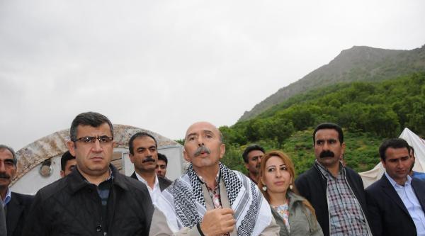 Bdp'liler Mesken Dağı'ndaki Nöbeti Sürdürüyor