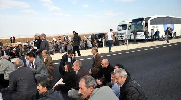 Bdp'liler Sinirda Kaçak Geçen 3 Suriyelinin Öldürülmesini Protesto Etti