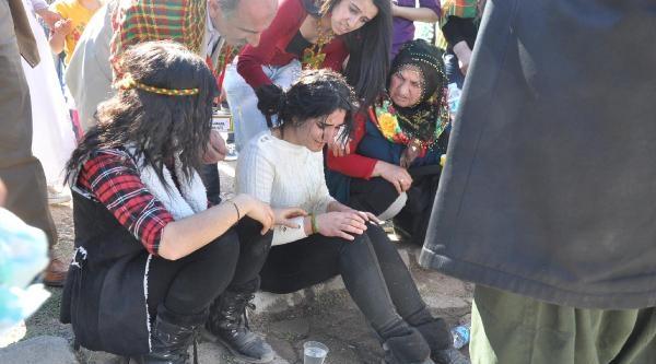 Bdp'nin Nevruz Ateşinden 5 Kişi Yaralandı