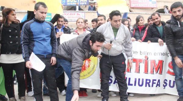Beden Eğitim Öğretmenlerinden Ayakkabılı Protesto