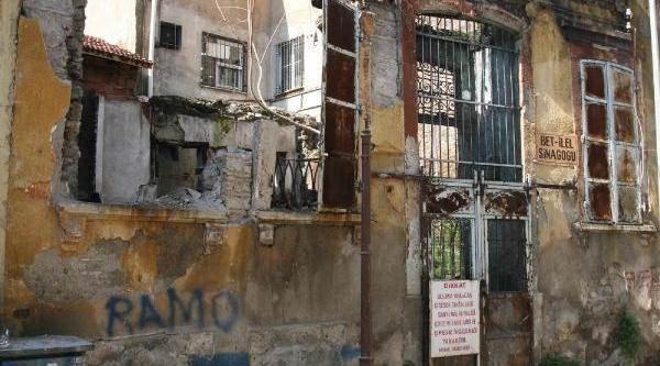 Beit Hillel Sinagogu Ayağa Kaldiriliyor