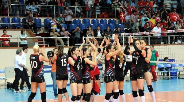 Belarus - Türkiye Voleybol Maçı (ek Fotoğraf)