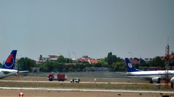 Belarus Uçağı Pist Başından Döndü