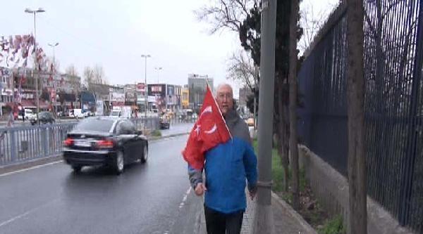 Belediye Başkan Adayı Deprem Profesöründen Protesto Yürüyüşü