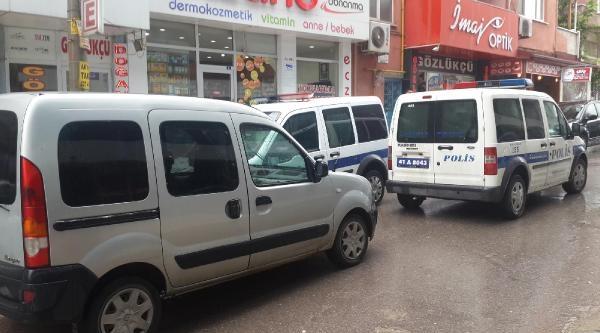 Belediye Başkanın Yeğeni Silahlı Saldırıda Yaralandı