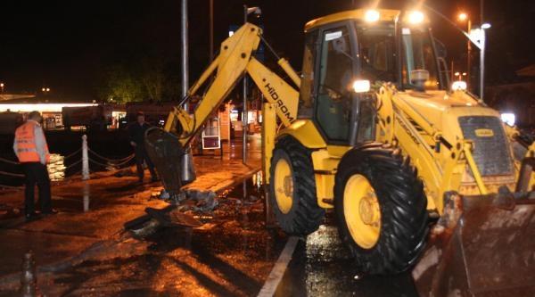 Belediye Ekiplerinden Su Baskını Olayına Karşı Ek Rögar