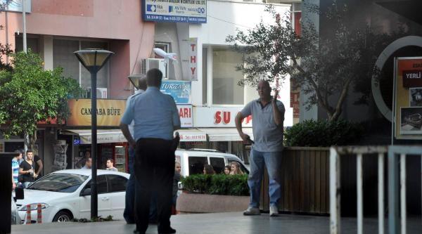 Belediye Önünde Tabancayla İntihar Girişimi