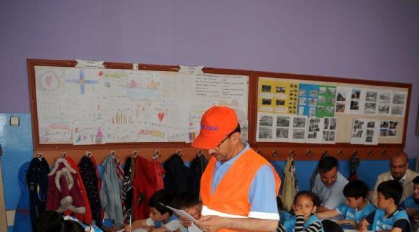 Belediye Temizlik Görevlisi Okulda Ders Verdi