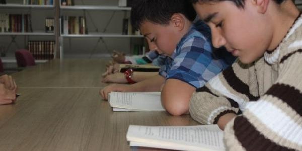 Belediyeden 300 Öğrenciye Ücretsiz Dersane Hizmeti