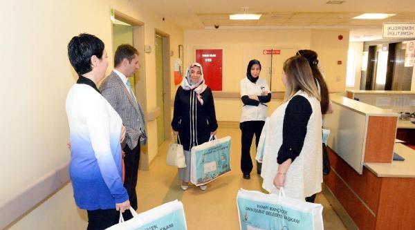 Belediyeden Yeni Doğan Bebeklere Hediye Paketi