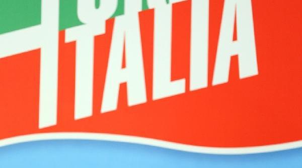 Berlusconi'nin Parlamenterliği Düştü, Şövalye Unvanini Da Kaybetti
