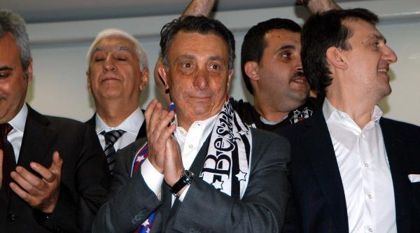 Beşiktaş 2'nci Başkanı Çebi: Beşiktaşlılar Onun Bunun Kapısında Bağırmaz
