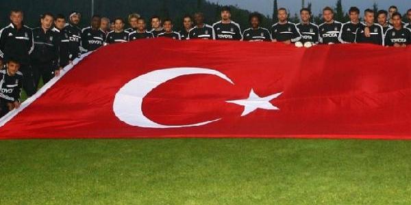 Beşiktaş, Cumhuriyet Bayrami'ni Kutladi