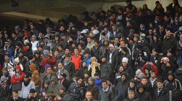 Beşiktaş - Eskişehirspor Maçının İlk Yarı Fotoğrafları