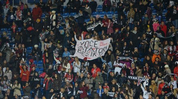 Beşiktaş - Sivasspor Maçinin Ilk Yari Fotoğraflari