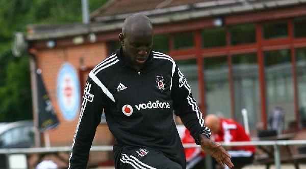 Beşiktaş'ta Demba Ba İlk İdmanina Çikti