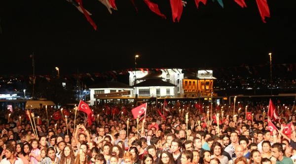 Beşiktaş'ta Zafer Bayramı Çoşkuyla Kutlandı
