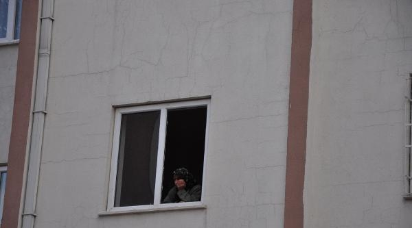 Besni'de 4'üncü Kattan Düşen Çocuk Öldü