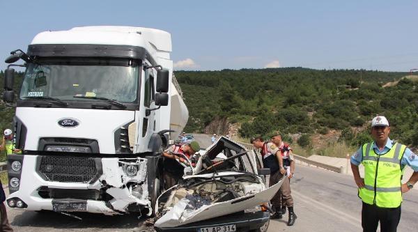 Beton Mikseri Otomobili Biçti, Avukat Öldü, Eşi Yaralandı