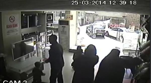 Beyaz Eşya Mağazasından Hırsızlık Kamerada