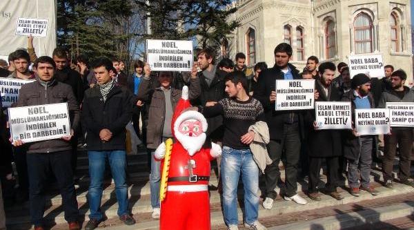 Beyazit Meydani'nda Noel Baba'Ya Protesto
