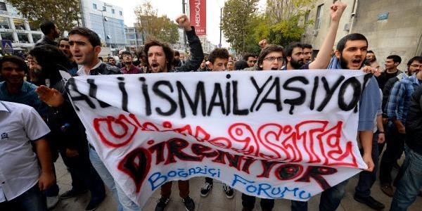 Beyazit'ta Yök Protestosu (1)