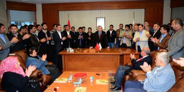 Beylikdüzü Belediye Başkani Yusuf Uzun, Aday Adayliği Başvurusunu Yapti