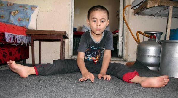 Beyninde Tümör Saptanan Emircan'ın Tedavisi Yarım Kaldı
