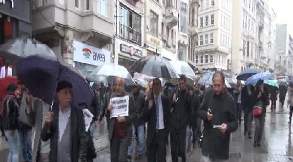 Beyoğlu Belediyesi Önünde