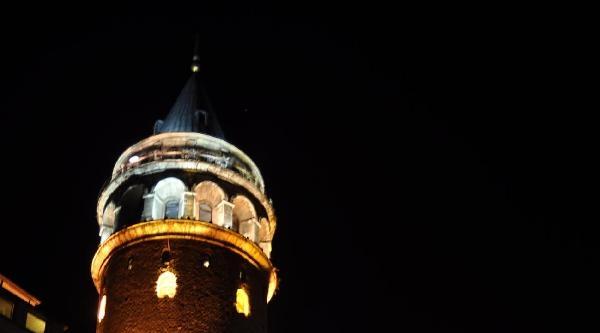 Beyoğlu'na Yeniden Elektrik Verilmeye Başlandı