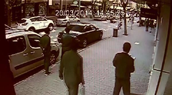 Bıçaklı Kavga Güvenlik Kamerasına Yansıdı