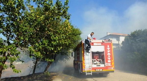 Bigadiç'te 3 Hektar Makilik Yandı