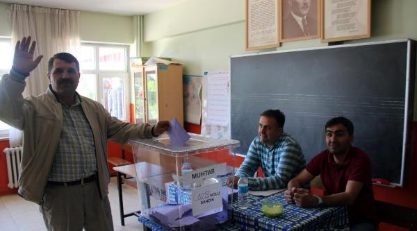 Bingöl'de İptal Edilen Muhtarlık Seçimini Yine Kazandı
