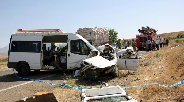 Bingöl'de Kaza: 1 Ölü 13 Yaralı