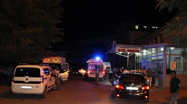 Bingöl'de Trafik Kazası: 15 Yaralı
