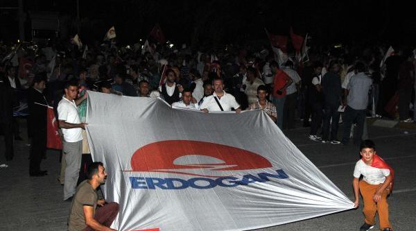 Binlerce Kişi Cumhurbaşkanı Erdoğan'ı Bekliyor