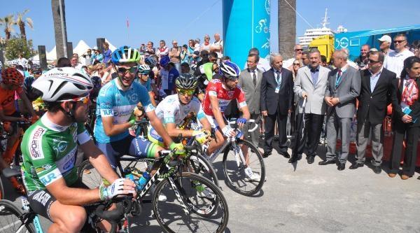 Bisikletçiler Kuşadası'ndan Start Aldı