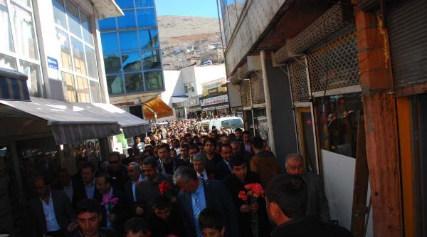 Bitlis'te Ak Parti'den Sevgi Ve Barış Yürüyüşü