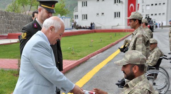 Bitlis'te Engelli Gençlerin Askerlik Mutluluğu