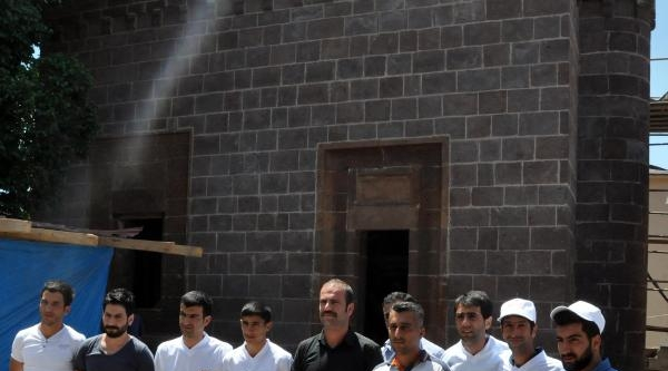 Bitlis'te Gençlere Taş Restorasyonu Eğitimi