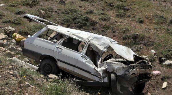 Bitlis'te Trafik Kazası:3 Yaralı