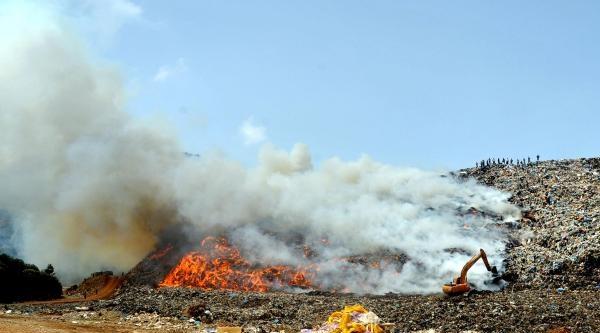 Bodrum Çöplüğünde Korkutan Yangın