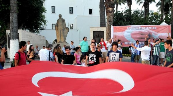 Bodrum'da Bayrak Protestosu