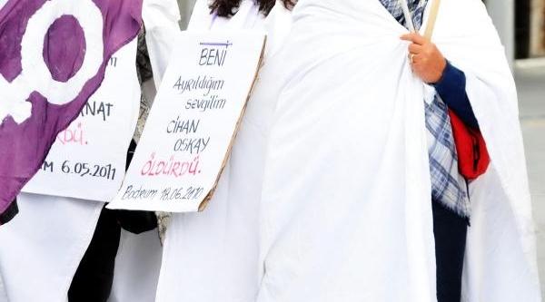 Bodrum'da Kadinlarin Kefenli Şiddet Eylemi