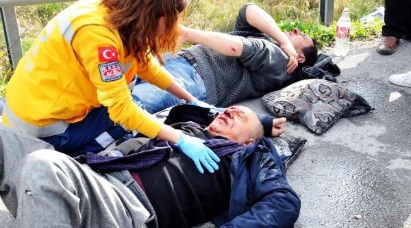 Bodrum'da, Micir Yüklü Tir'la Yolcu Minibüsü Çarpişti, 15 Kişi Yaralandi / Fotoğraflar