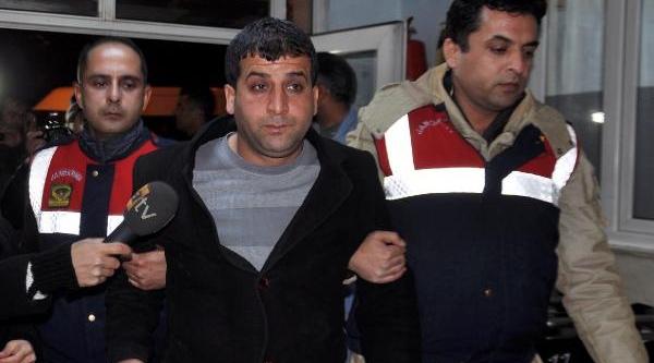 Boğazi Kesilmiş Ve Başi Taşla Ezilmiş Cinayete 6 Gözalti