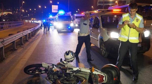 Boğaziçi Köprüsü Çikişinda Kaza: 2 Yaralı