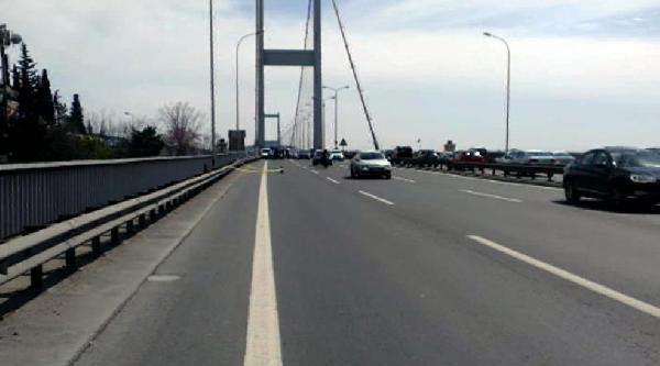 Boğaziçi Köprüsü'nde Trafiğe Şüpheli Paket Engeli