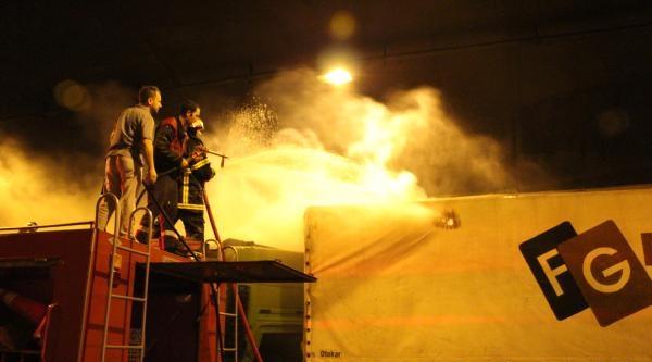 Bolu Dağı Tüneli'nde Kaza Yapan Tır Alev Alev Yandı